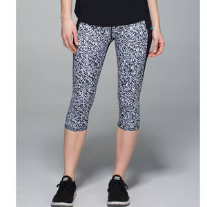 Lululemon Run Top Speed Animal Print Crop Leggings